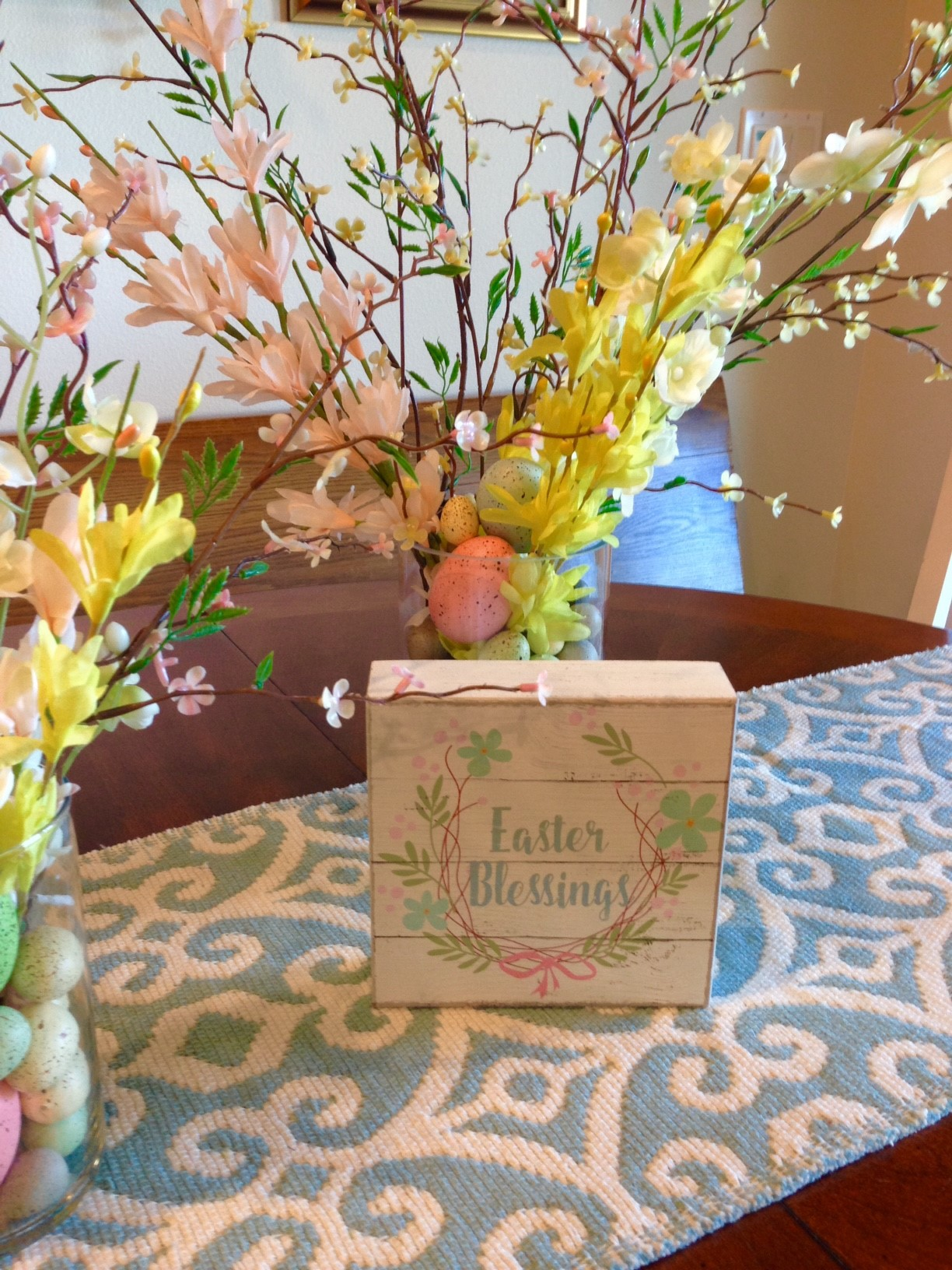 Decorating: Easter Centerpiece as Easy as 1, 2, 3!